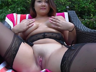 Chubby mollycoddle Gigi Sky is splendid on tap riding a lover's boner