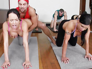 Yoga educator added to 4 scalding college girls with meaty cupcakes