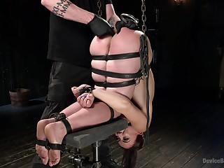 Tiedbrunette Mandy Muse enjoys fisting together with toying until she cum