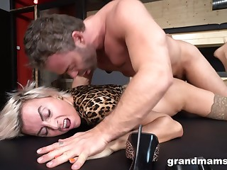 super shrivelled mature mom with flat chest brutally fucked - rough sex with cumshot