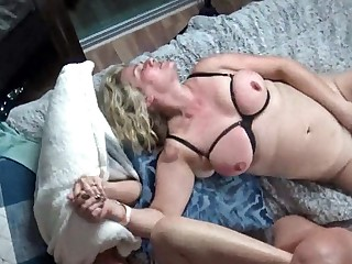 Horny housewives possessions their pussy rammed in steamy foursome