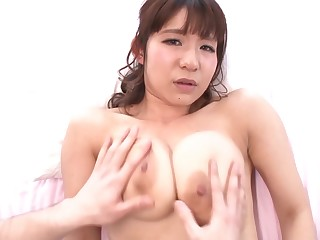 Japanese hottie gets a nice close up