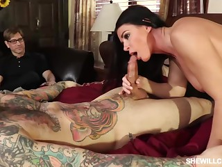 India Summer is getting nailed in front of her unusual partner, because he likes to ahead to