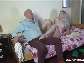 Nasty stepdaughter makes an elderly man feel uncomfortable before fucking him