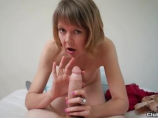 Amateur mature likes the taste be proper of gumshoe in a sure POV