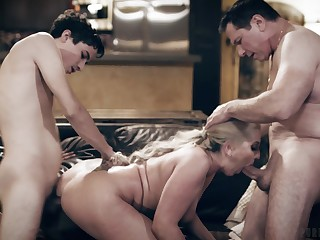 Simmering young lady's man fucks his step mom along side his dad
