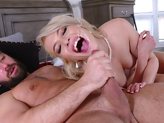 Pink-lipped beauty Tiffany Fox gets her sexual fix in a confidential way