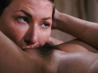 Naughty masseuse Jade Kush rubs and licks her custom pussy