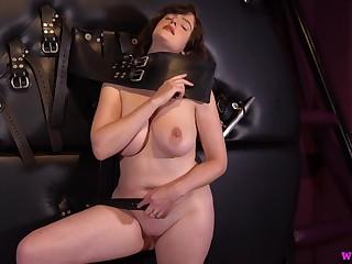 Kate Anne Lets Win Kinky 4k