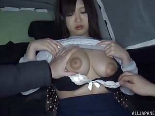 Video of an amateur Japanese girl getting fucked on along to bed