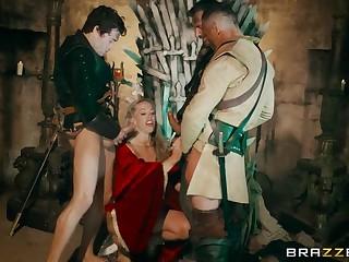 Queen Of Thrones: Accouterment 4 (A XXX Parody)
